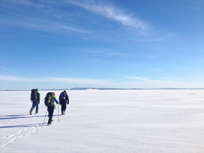 Hiking across the Manitou Passage ice