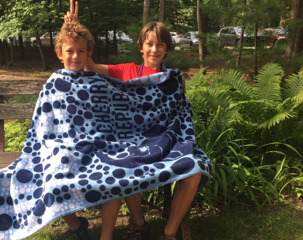 Hawthorn and Colebrook wrapped in a bubble towel